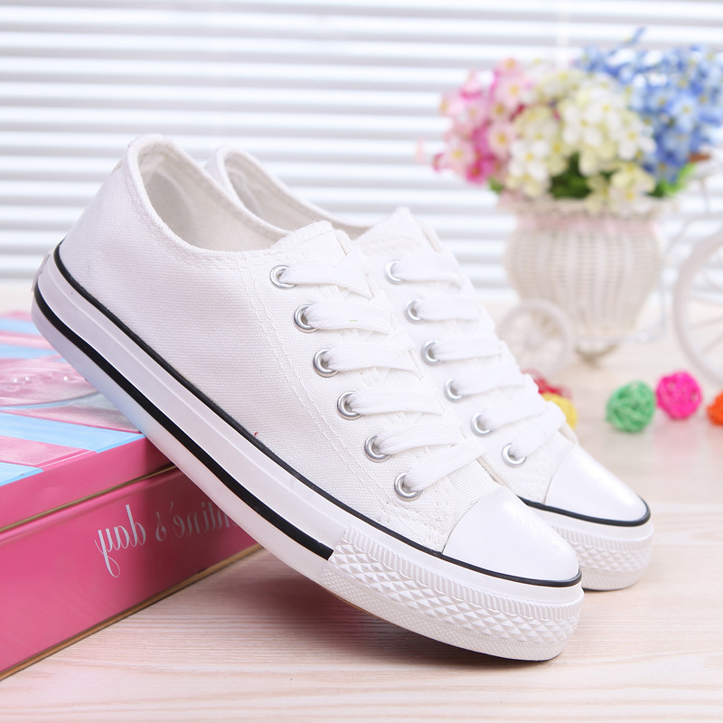 Classic little white shoes for boys and girls white ball shoes breathable flat soled morning running soft soled board shoes light sports canvas shoes