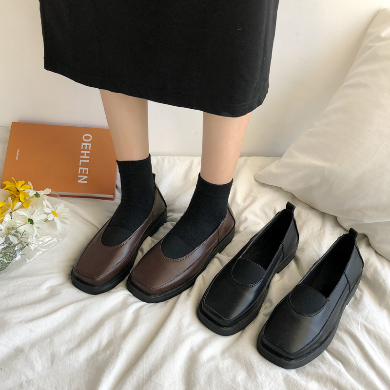 2019 new foreign style net red square head black Japanese small leather shoes womens spring boat shoes Yushan shoes British style