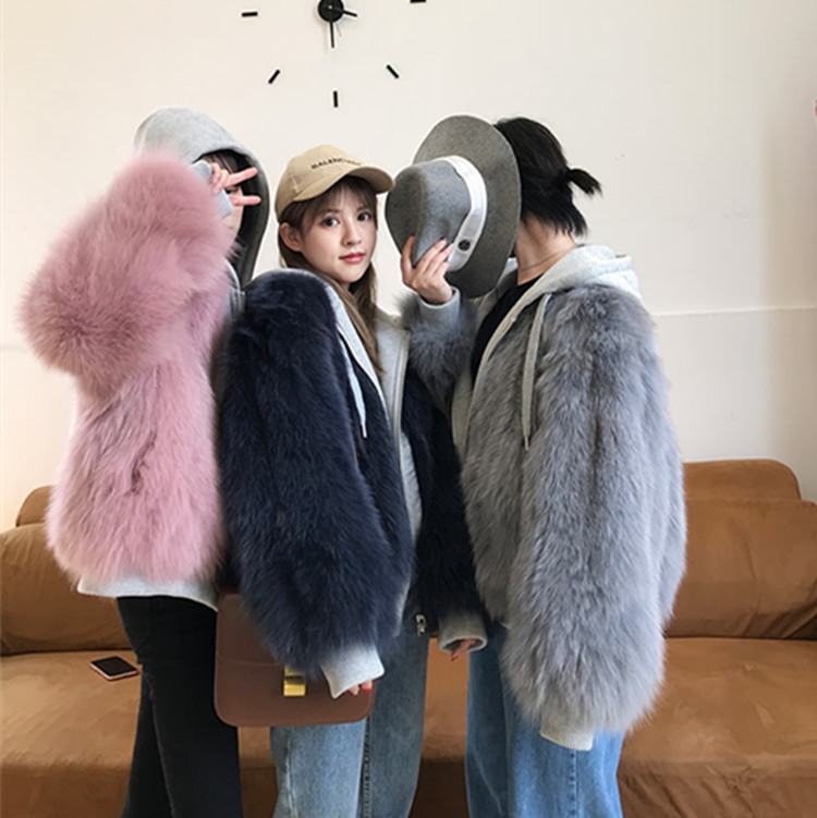 The new style of autumn and winter overcomes leisure, wearing fox fur grass jacket on both sides, short Hooded Coat and woolly sweater