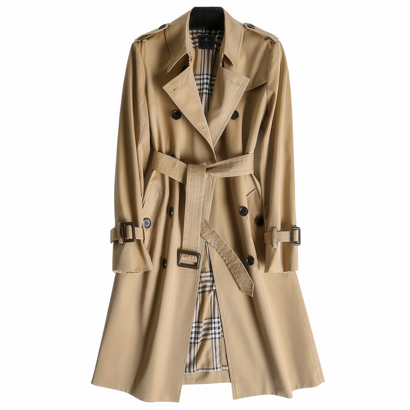 斗蓬式女外套怎么搭配:斗蓬风衣