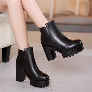 真皮高跟短靴韩版防水台粗跟厚底马丁靴秋冬加绒大码40-43码女靴