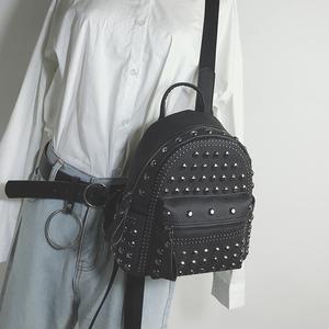 2020新款双肩包女小包时尚铆钉校园学生小背包书包ins超火少女包