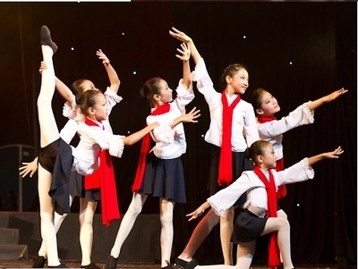 红梅赞儿童演出服 中小学生合唱服 长袖舞台舞蹈服 礼服表演服装