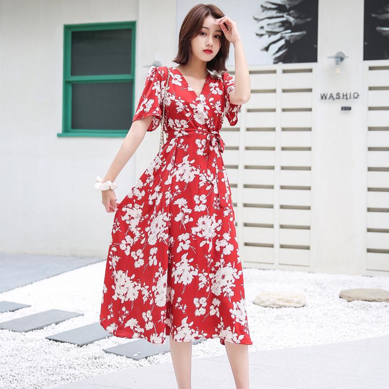 红色碎花连衣裙女夏季2020新款V领泡泡袖雪纺系带收腰显瘦气质仙