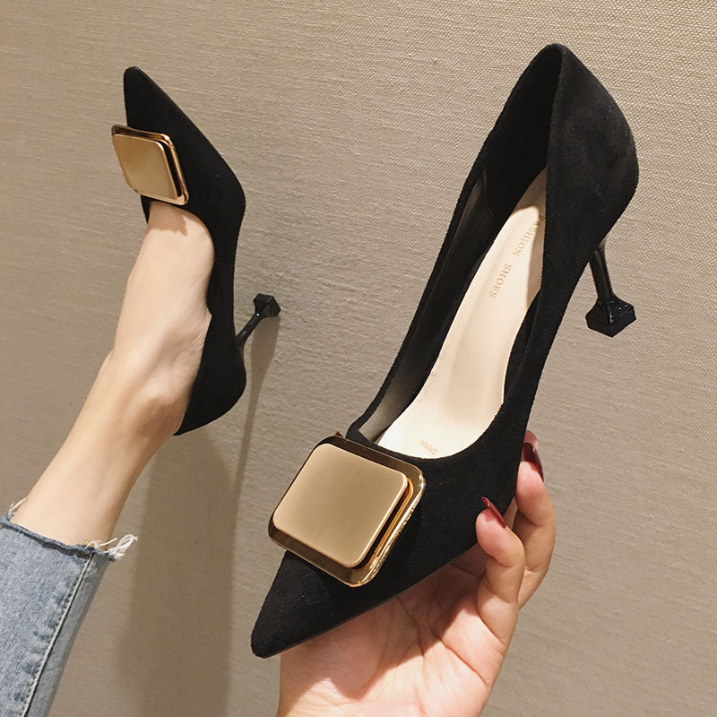 French small CK high-heeled womens new winter 2019 Korean slim heel pointed cat heel small single shoe square button work 33