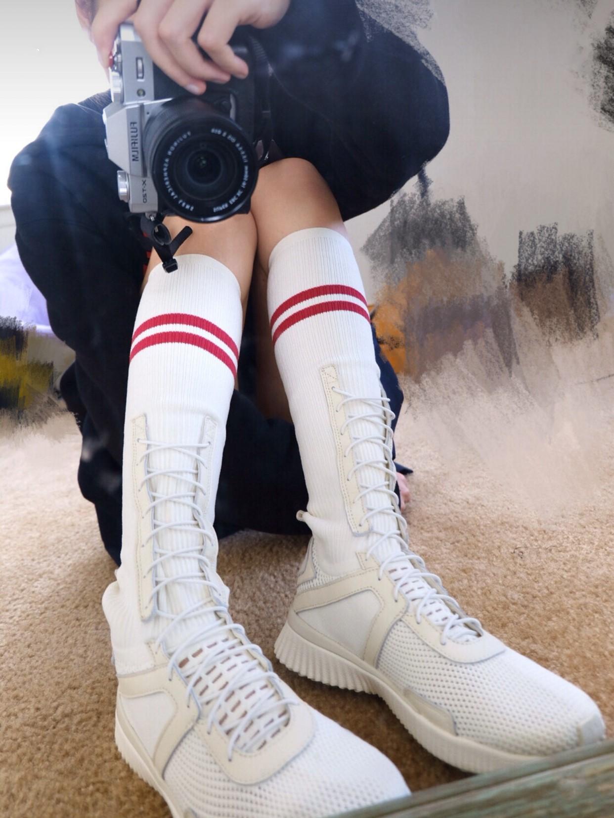 ins超火的鞋子欧美风白红色高帮长筒袜式休闲女鞋学院风运动潮鞋