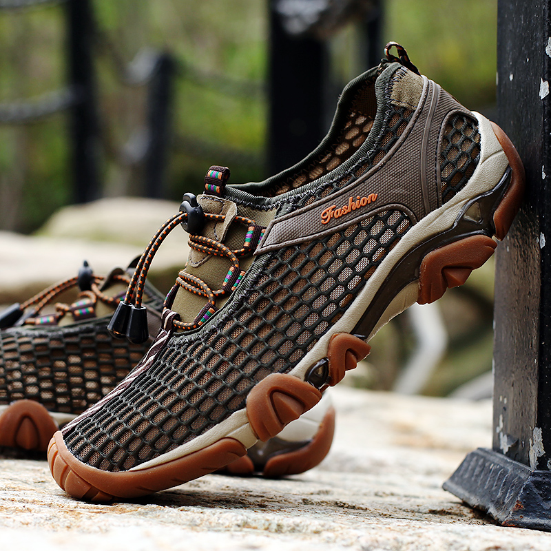 Mens shoes summer hole breathable mesh shoes mens Oxbow sole outdoor sandals sports leisure mountaineering hollow out beach shoes