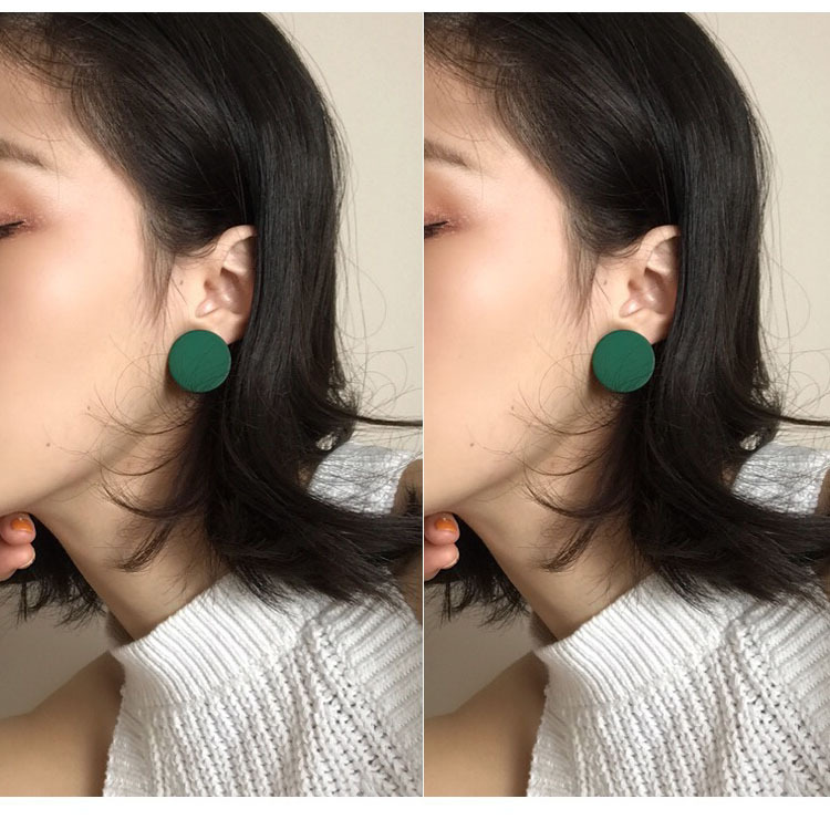 Ins style candy color wooden Earrings womens new spring / summer 2019 Korean version simple retro personality Round Button Earrings