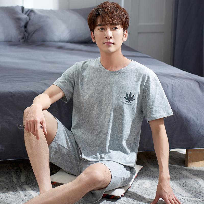 かわいい男性の神様夏の新型メンズモデルパジャマのゆったりしたサイズの家着半袖半ズボンカジュアルセット