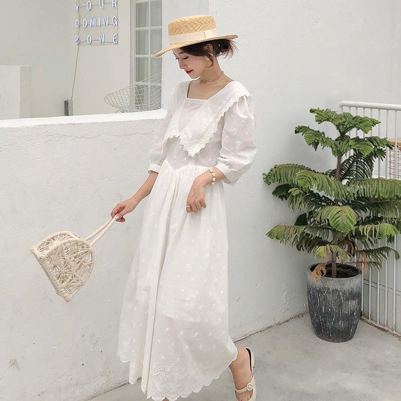 热销2件不包邮白色刺绣大翻领蕾丝边收腰女连衣裙