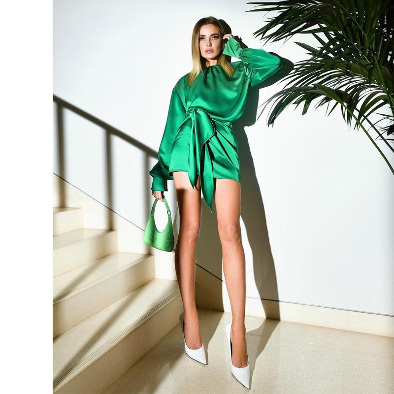 Kylie卡戴珊同款欧美ins风修身纯色系带圆领绿色修身显瘦连衣裙新