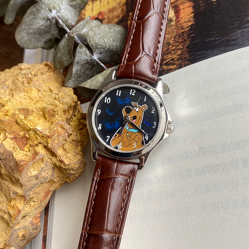 Japan brings back authentic WB Warner Scooby Doo Scooby dog bottom surface temperature sensitive color changing quartz female Watch