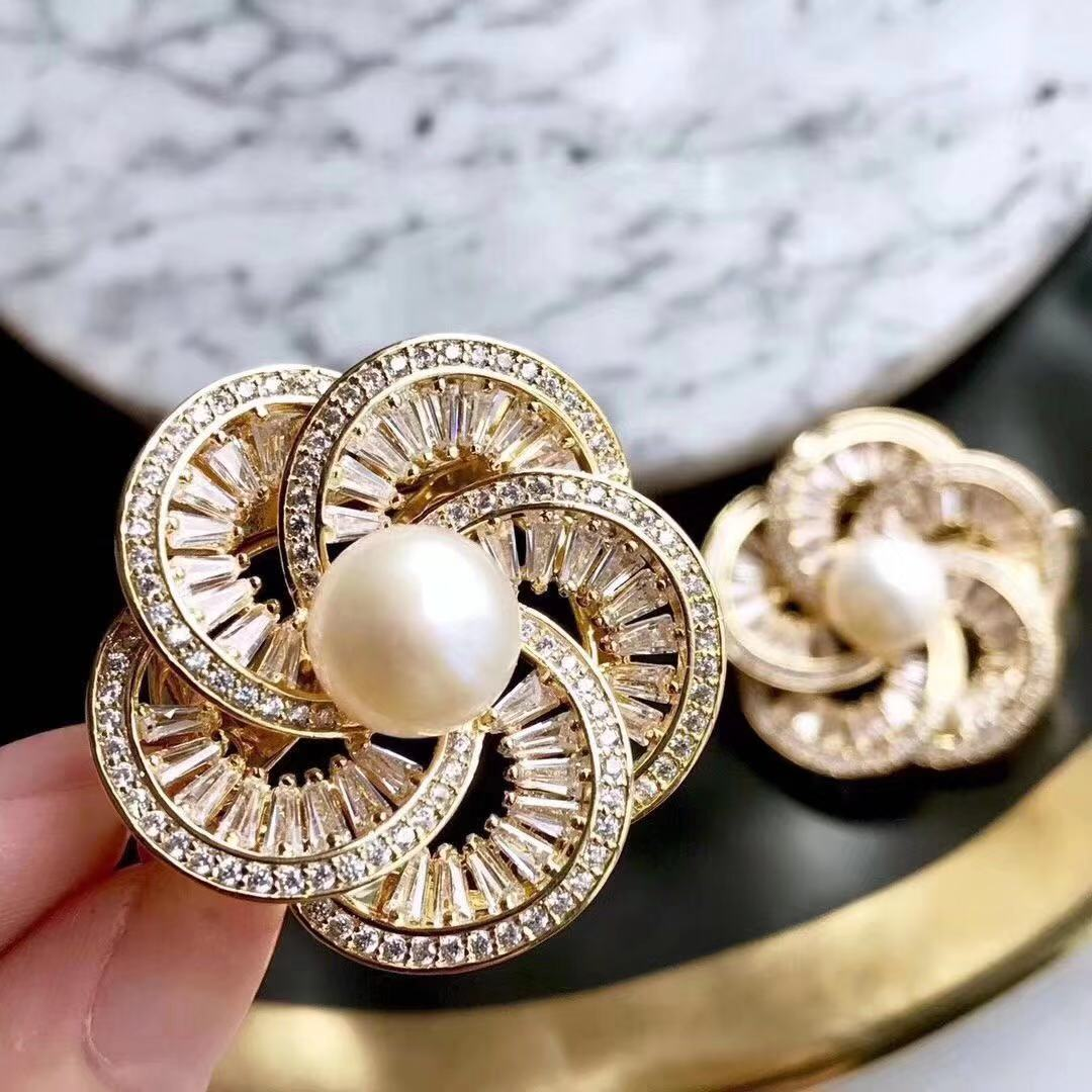 Fashion women simple silk scarf button Brooch dual purpose natural freshwater pearl decorative brooch pin accessories small gift