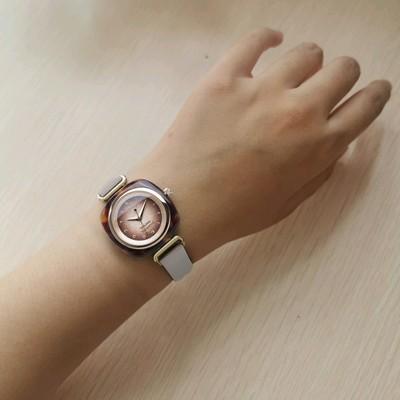 Vivienne薇薇安复古女表镂空皮带罗马刻度轻奢英国小众品牌手表怎么样?是什么档次品牌