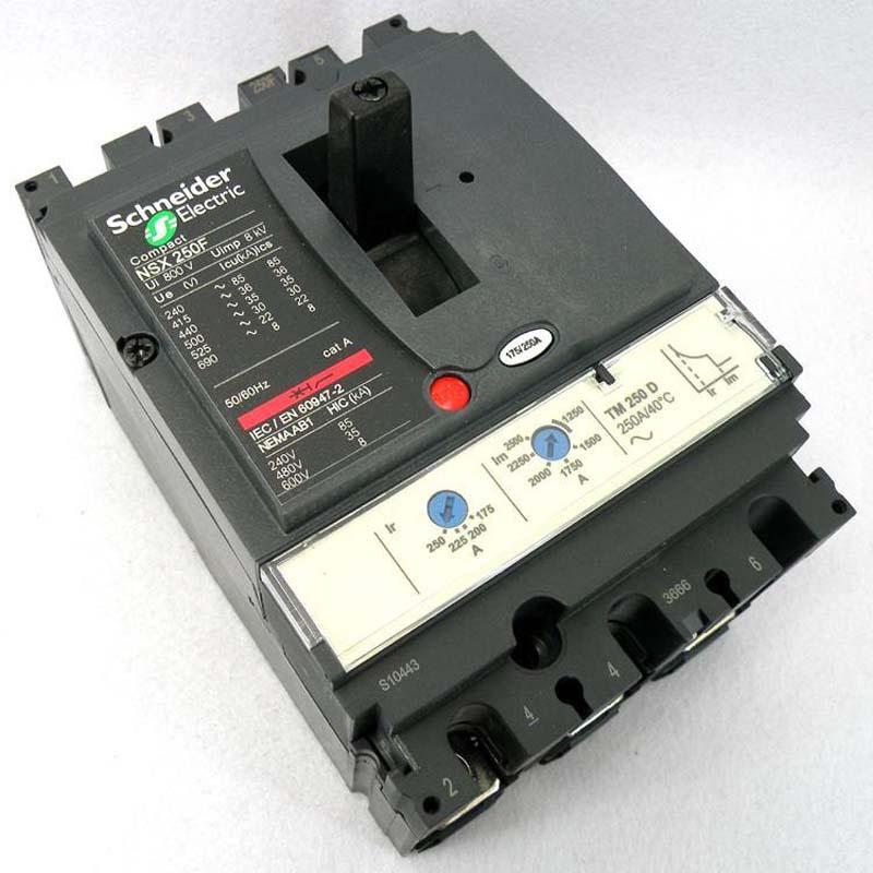 施耐德塑壳断路器NSX100F TM32D 3P3D (LV429635)3极32A固定式