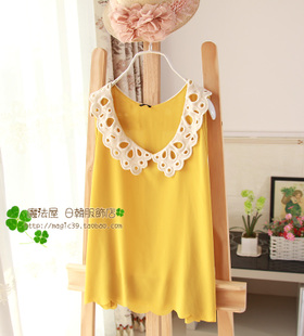 Korean women s summer sleeveless chiffon lace hollow collar loose solid color round neck vest