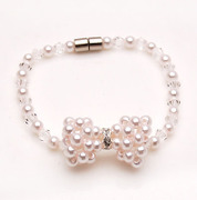 Smiling post Korea bow Pearl rhinestone bracelet hand chain Korean jewelry women 354832
