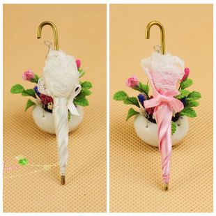 1 12 Dollhouse DOLLHOUSE mini accessories BJD delicate princess parasol 62006 two color into