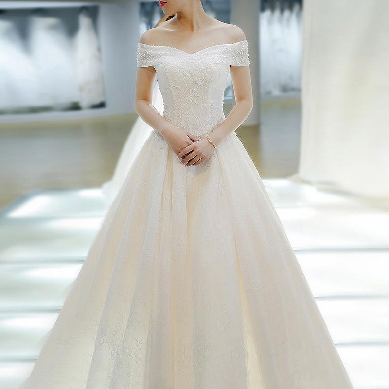 轻主婚纱礼服2020年新款气质新娘法式超仙大拖尾简约一字肩齐地女图片