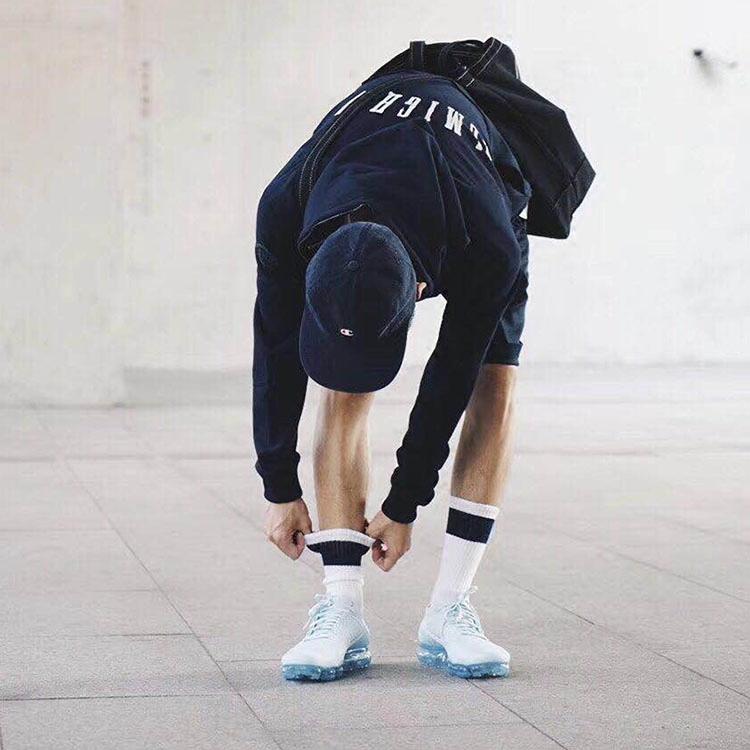 潮流男士长筒纯棉百搭中款条纹袜子(非品牌)