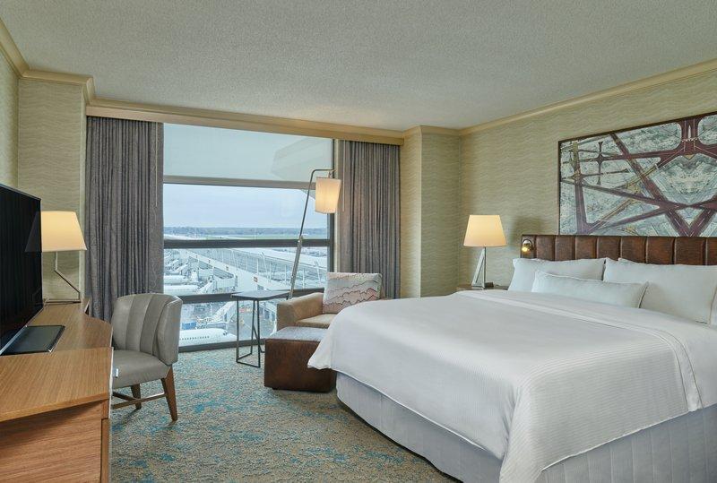 Deluxe room, 1 king bed (sw-m), Westin Hotel, Detroit Metropolitan Airport