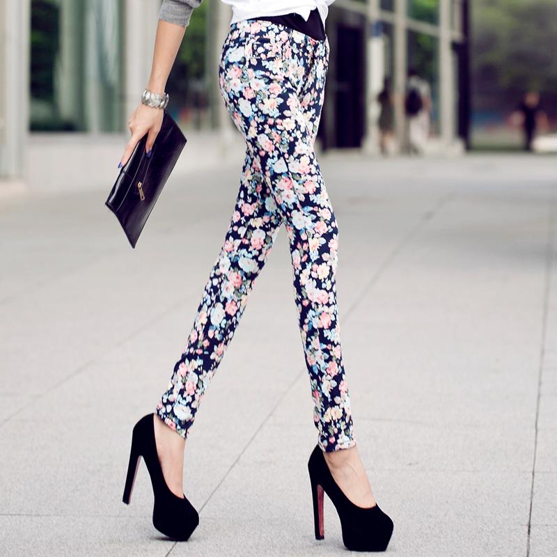 Тонкие брюки цветок ребенка осенью 2015 года новые брюки случайных брюки тонкий стрейч брюки женщина с связанными ноги карандаш печати тонкий