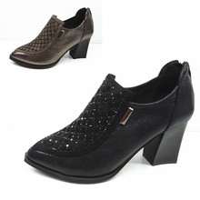 15 new lady shoes, work shoes with deep port of England and high ankle boot with pointed shoes old Beijing cloth shoes
