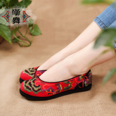 Chinese classic dance shoes with embroidered ethnic hand-embroidery-layer flat bottom at the end of circular head embroidered shoes women feather incense