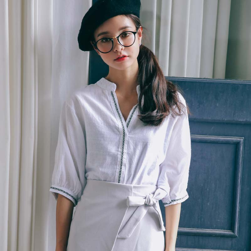 2016 autumn new East Gate standing collar embroidered lantern 7-point Sleeve Top Shirt