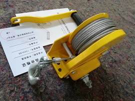 The medium-sized heavy hand winch manual winch self-locking
