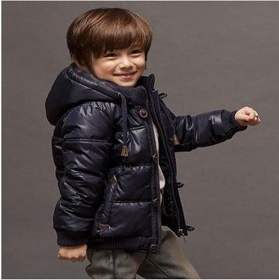 Специальные Распродажа мальчиков утолщение средних и малых мальчик вниз куртка пуховик пальто подлинные электронной почты