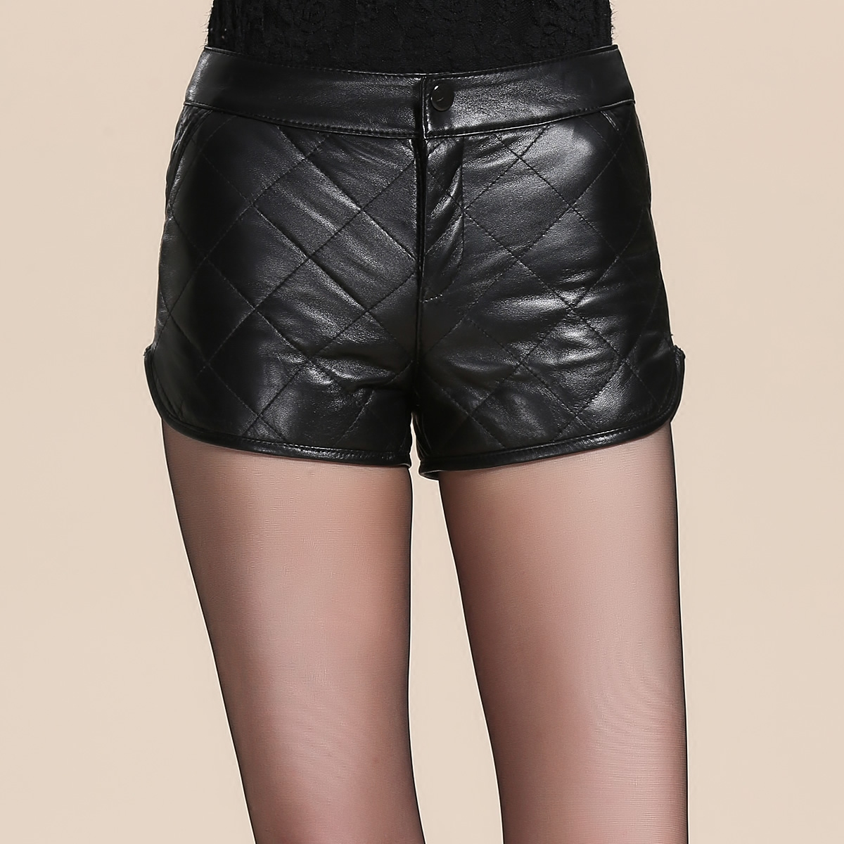 Dingyangyang 2019 autumn winter new Haining sheep leather real down leather shorts leather pants slim fit thickened hot pants