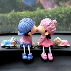 汽車擺件卡通車載擺件情侶可愛車上裝飾品創意車內飾品玩偶擺件