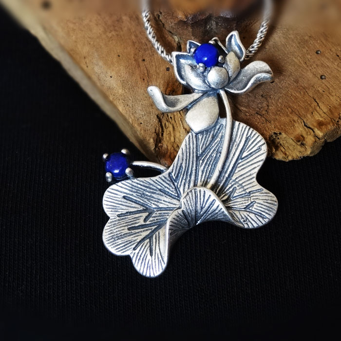 S925 pure silver Lotus Leaf Pendant handmade silver inlaid with natural lapis lazuli national style three dimensional lotus Pendant