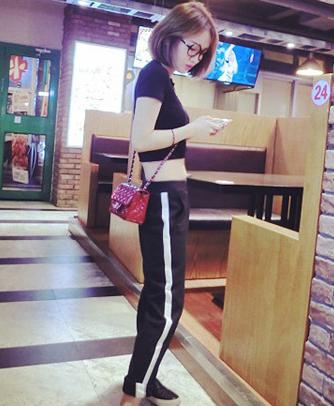 Гонконг воздуха ультра стиль вертикальной чувство ткани цвет соответствия гарем брюки
