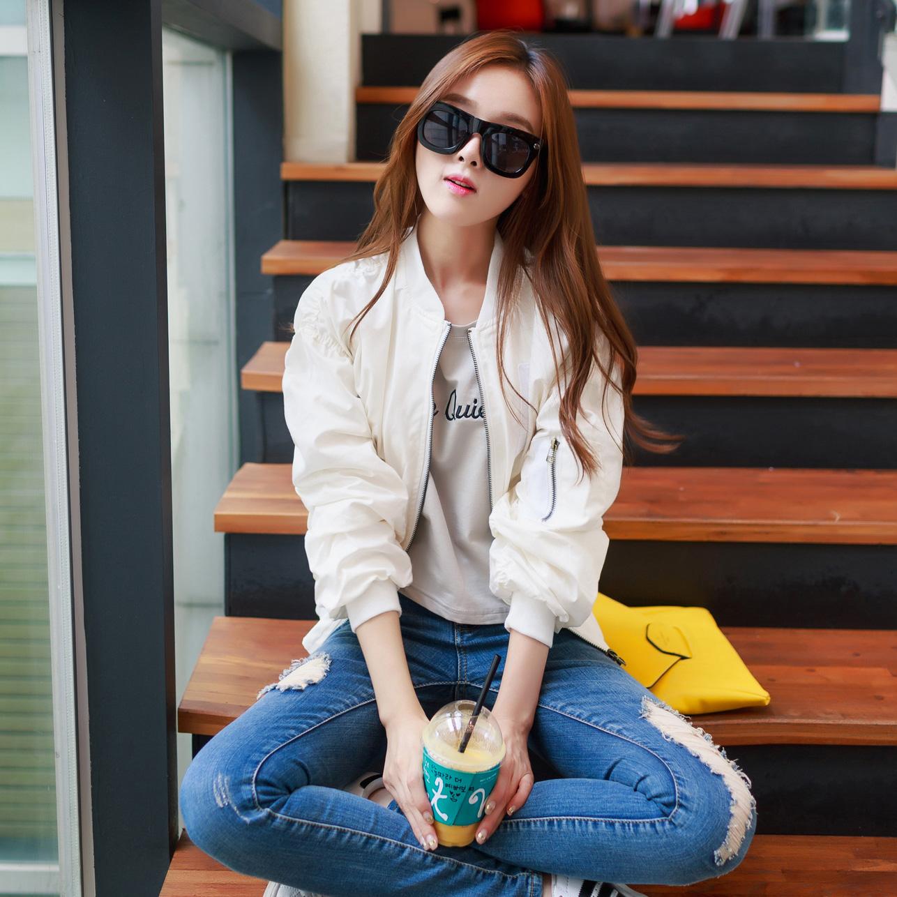 Korean spring and autumn jacket loose cotton long sleeve Baseball Jacket short jacket leisure sports jacket round neck womens fashion