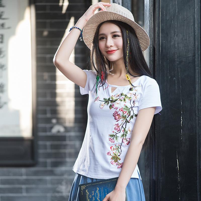 2018夏季云南少数民族风女装上衣领口镂空修身显瘦不起球亲肤T恤