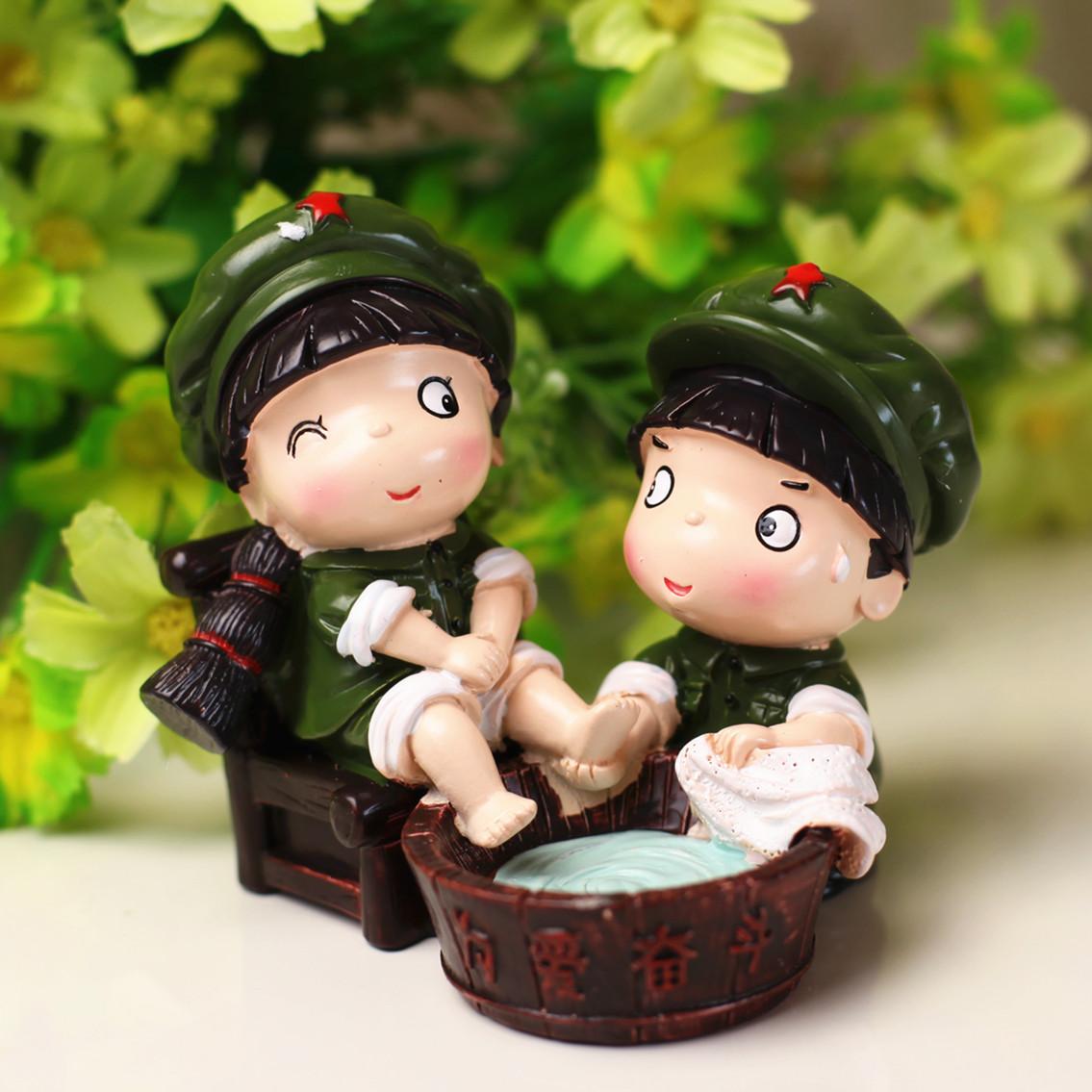 大禹正品小兵革命爱情系列公仔情侣摆件创意结婚礼物家居装饰品