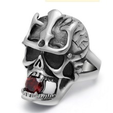 New skull set auger titanium steel ring men ring restoring ancient ways do old Europe and the United States punk fashion accessories process