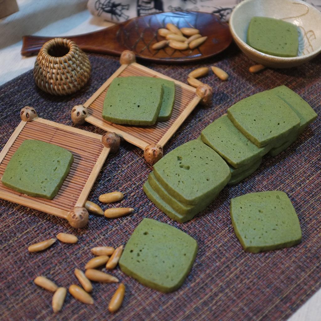 宇治の抹茶クッキーを食べました。恋愛輸入の原材料について手作りのお菓子「湯パパ焙煎」を食べました。