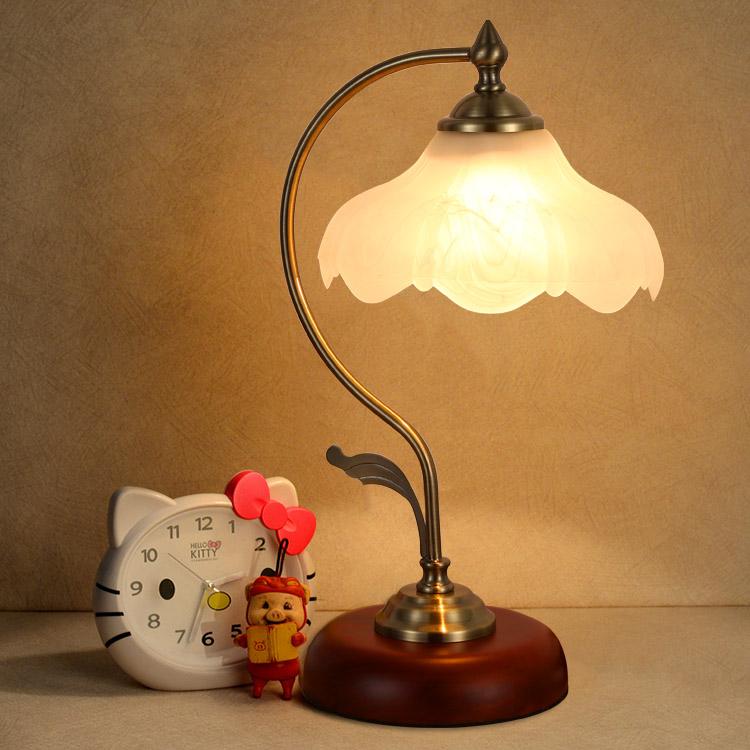 欧式创意台灯主卧室ins 少女台风卧室床头灯暖光温馨浪漫触摸感应