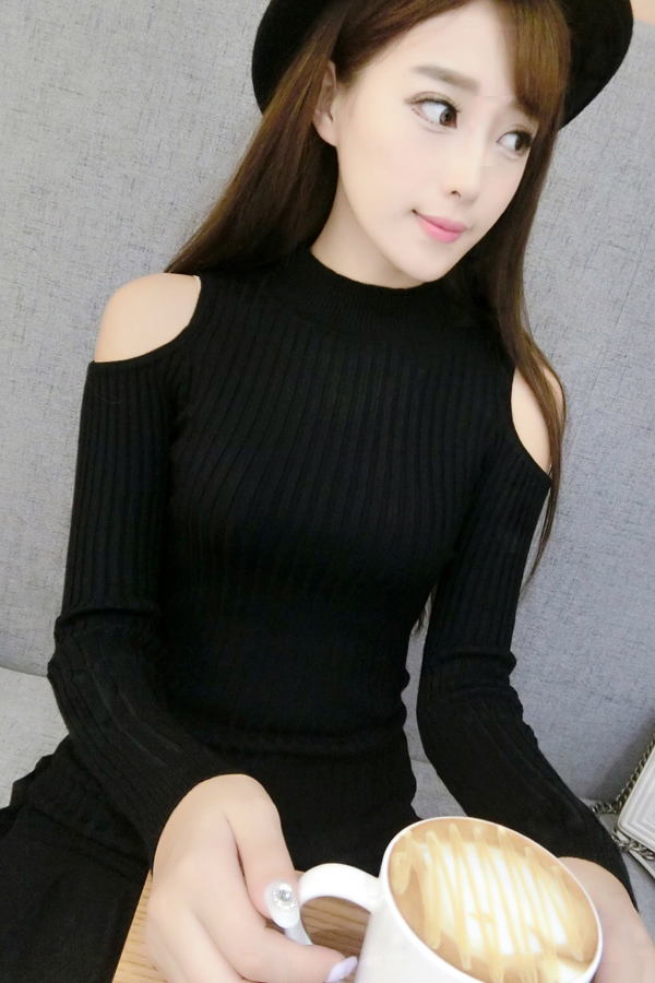 Off the shoulder sweater womens undershirt sweater black shoulder top womens thin spring and Autumn