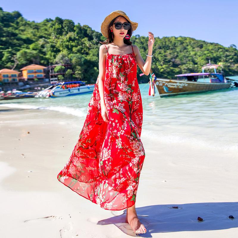 沙滩裙女2019新款大码长裙海边度假吊带胖mm显瘦巴厘岛红色连衣裙