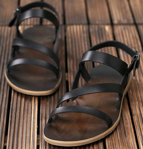 Summer new mens leather sandals British casual simple Roman shoes mens fashion trend Korean beach shoes