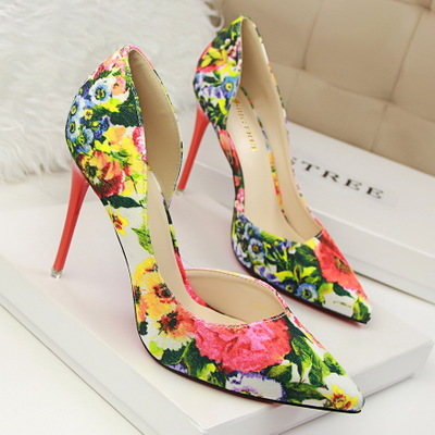 Han edition style high heel with flowers sweet color shallow pointed mouth side hollow out broken shoes design's main photo