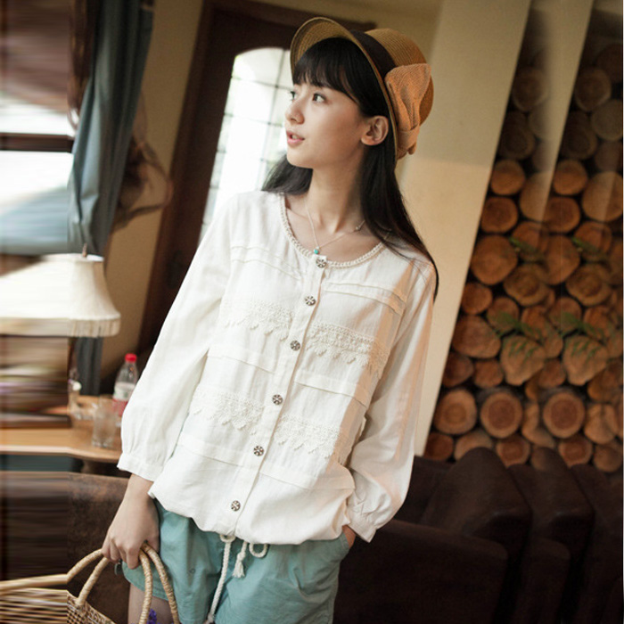 2017 spring new Japanese Mori womens College Lolita lace stitching loose cotton hemp jacket student cardigan