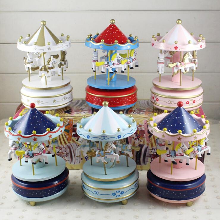 Бесплатная доставка карусель музыкальная шкатулка шанхай, пекин, тяньцзинь торт декоративный творческий девочки фестиваль день рождения подарок отправить небольшой друг подруга подруга