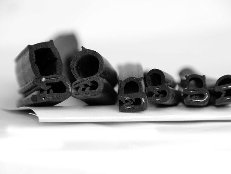 电柜U型钢带密封条卡式骨架气泡侧泡隔音防撞防风防尘防水弹性条