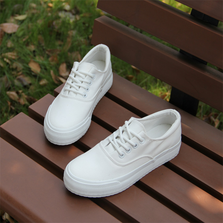 Canvas shoes womens pure white womens thick soled low top student board shoes leisure cloth shoes Korean fashion in spring and autumn of 2019