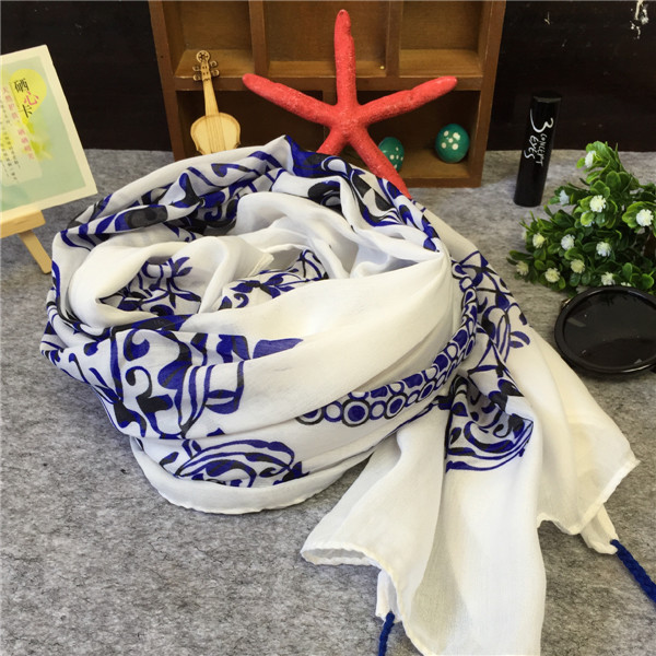Foreign trade blue and white blue and white porcelain totem retro national elegant tassel super large sunscreen shawl scarf silk scarf